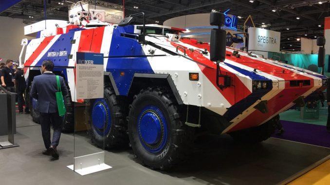 """مركبة """"بوكسر"""" خلال عرضها ضمن فعاليات معرض معدات الأمن والدفاع الدولي 2017 (DSEI 2017) في لندن، بريطانيا (Alan Lessig)"""
