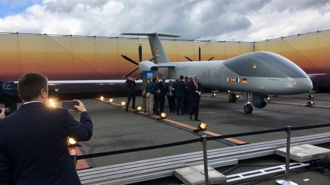نموذج عن الطائرة الأوروبية من دون طيار الجديدة خلال معرض برلين للطيران 2018 (Sebastian Sprenger/Defense News)