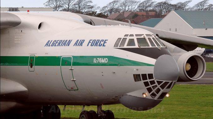 """طائرة """"إليوشن آي إل 76"""" تابعة للجيش الجزائري في مطار """"بريستويك"""" الروسي (Airplanes Pictures)"""