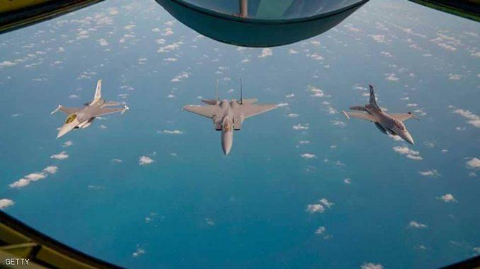 طائرات فوق بحر الصين الجنوبي