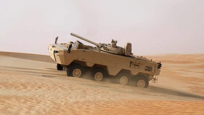 """مركبة المشاة القتالية """"ربدان"""" خلال اختبارات لها. تم الكشف عن الآلية خلال معرض """"آيدكس 2018"""" وهي تستطيع عبور الأنهر والبحيرات بكفاءة قتالية عالية (صورة أرشيفية)"""