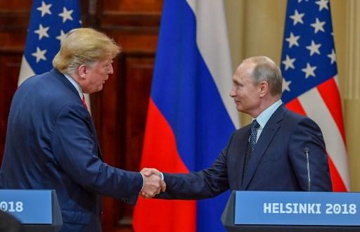 الرئيسان الأميركي والروسي بعد قمة عقدت في العاصمة الفنلندية هلسنكي في 16 تموز/ يوليو 2018