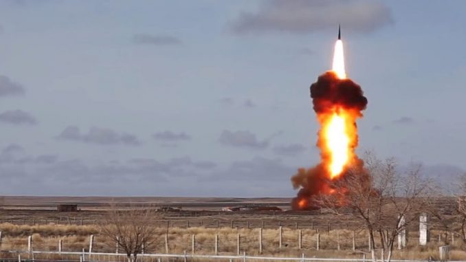 اختبار صاروخ دفاع جوي روسي