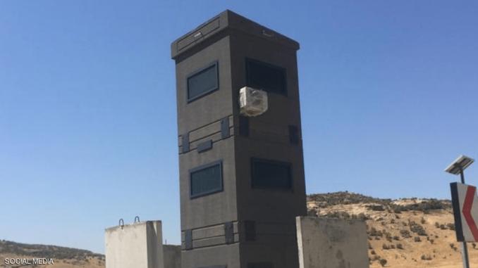 صور للأبراج الضخمة والمدرعة التي بناها الجيش التركي خلال الفترة الأخيرة على حدود البلاد الجنوبية (موقع سكاي نيوز عربية)