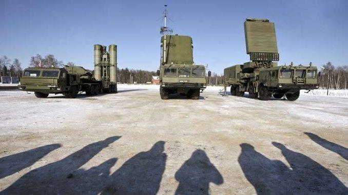 """صواريخ """"إس-400"""" للدفاع الجوي"""