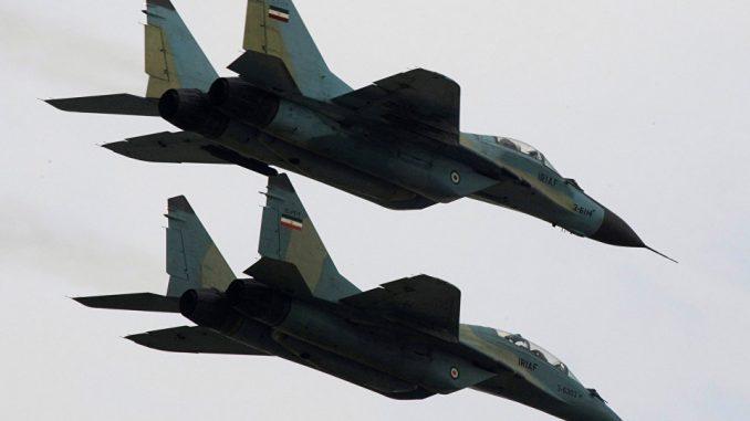 طائرات سوخوي إيرانية خلال عرض عسكري (صورة أرشيفية)