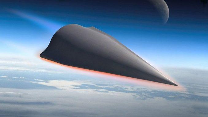 """نموذج عن المركبة الصينية النووية المنزلقة الأسرع من الصوت """"دي إف- زد إف"""" (صورة أرشيفية)"""