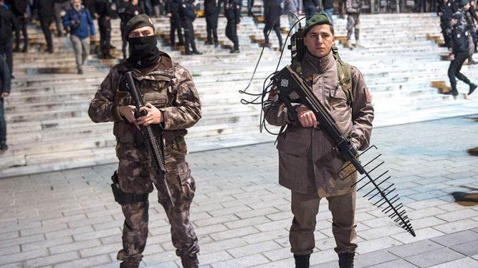عناصر من القوات المسلحة الأذربيجانية