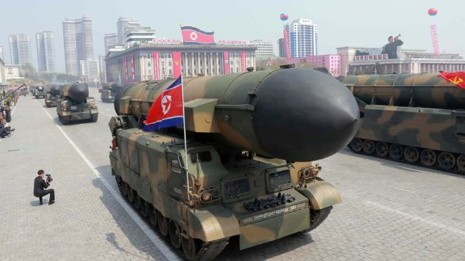 صورة أصدرتها وكالة الأنباء المركزية الكورية الشمالية الرسمية في 16 نيسان/أبريل 2017، تُظهر صواريخ بالستية كورية في ساحة كيم ايل سونغ خلال عرض عسكري في بيونغ يانغ بمناسبة الذكرى 105 لميلاد الزعيم الكوري الشمالي الراحل كيم ايل - سونغ (STR/AFP/Getty Images)