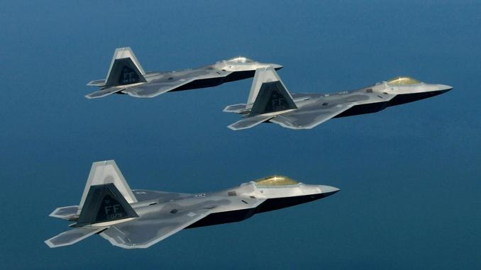 مقاتلات إف-22