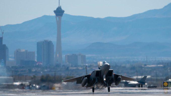مقاتلة أف-15