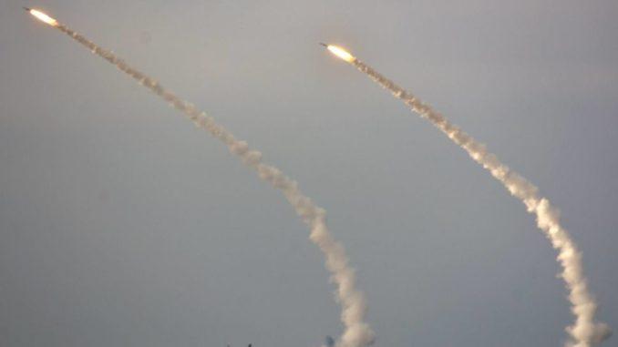 مناورات صاروخية