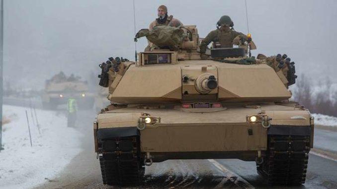 دبابة من نوع M1A1 أبرامز