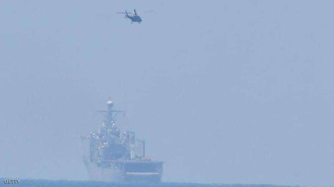تحليق مروحية فوق بحر الصين الجنوبي