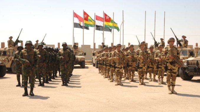 التدريب المشترك فى مجال مكافحة الإرهاب في قاعدة محمد نجيب العسكرية في مصر في 13 حزيران/ يونيو