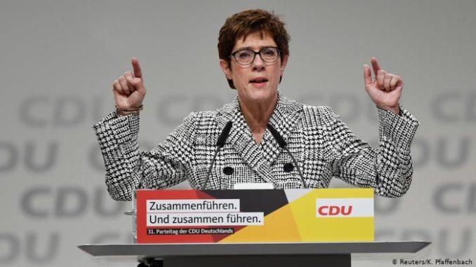 آنيغريت كرامب-كارنباور وزيرة الدفاع الألمانية الجديدة
