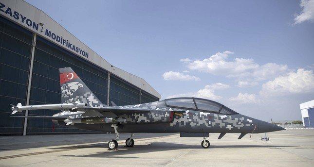"""طائرة التدريب النفاثة والهجومية الخفيفة """"هورجيت"""" التركية"""