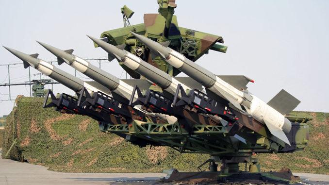 """صواريخ """"بيتشورا"""" للدفاع الجوي"""