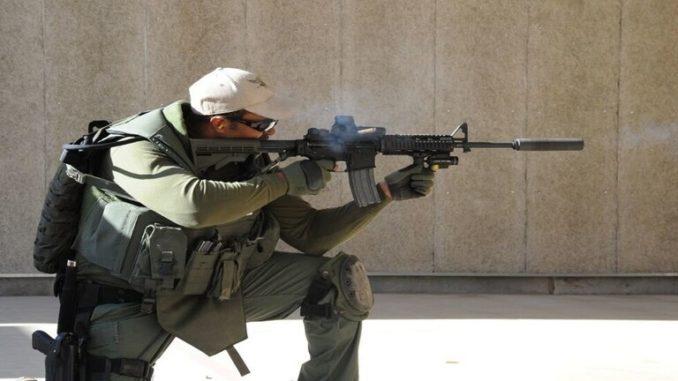 بندقية AR-15 الأميركية