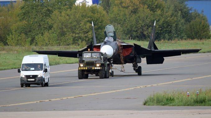 مقاتلة سو-47