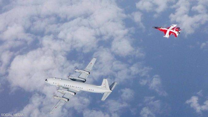 """مقاتلة """"إف 16"""" دنماركية تعترض طائرة روسية"""