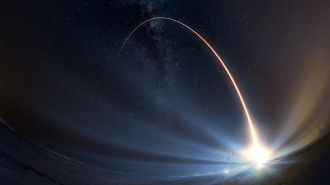 أجهزة الاستشعار الفضائية للإنذار الصاروخي المبكر من رايثيون