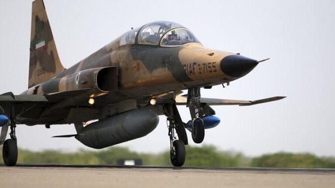 """مقاتلة """"كوثر"""" الإيرانية"""