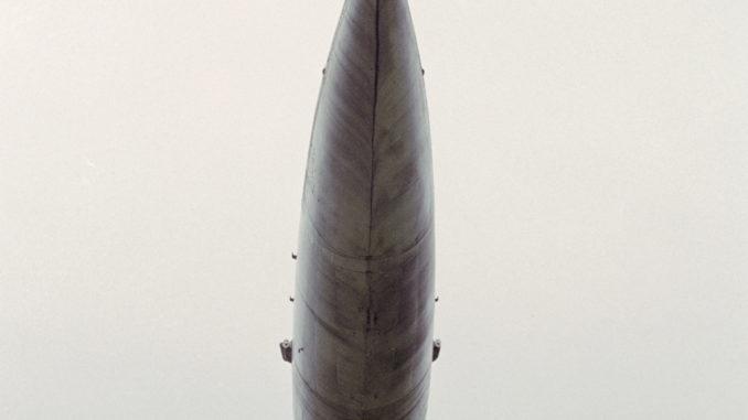 طائرة عملاقة بمحرك نووي