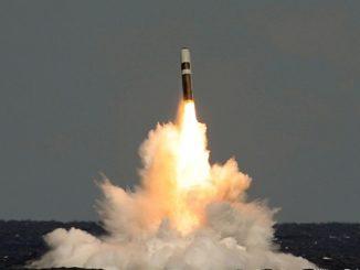 إطلاق صاروخ ترايدنت-2 من غواصة