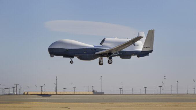 طائرة MQ-4C Triton بدون طيار